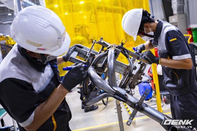 Ngắm tận mắt nhà máy lắp ráp xe máy điện của VinFast, trông chẳng khác nào Gigafactory của Elon Musk! - Ảnh 8.