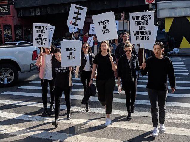 Nhân viên Google trên toàn thế giới bỏ việc, xuống đường biểu tình nhằm phản đối hành vi sai trái của công ty - Ảnh 27.