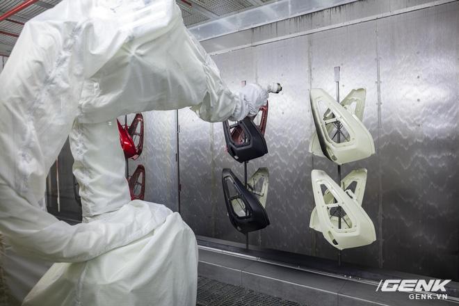 Ngắm tận mắt nhà máy lắp ráp xe máy điện của VinFast, trông chẳng khác nào Gigafactory của Elon Musk! - Ảnh 5.