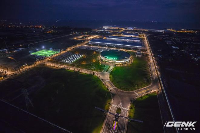 Ngắm tận mắt nhà máy lắp ráp xe máy điện của VinFast, trông chẳng khác nào Gigafactory của Elon Musk! - Ảnh 1.