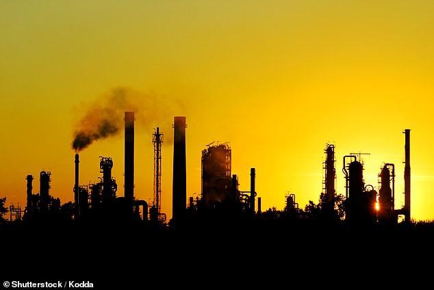 Giới khoa học đề xuất phun chất hóa học lên bầu khí quyển để giảm biến đổi khí hậu - Ảnh 3.