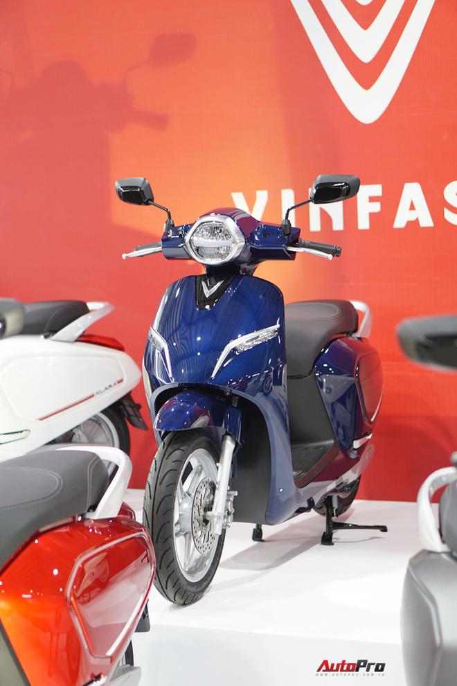 Chi tiết xe máy điện thông minh đầu tiên của VinFast - Ảnh 1.