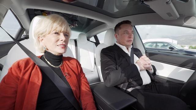 Bản thân Elon Musk tự tin tuyệt đối vào khả năng tự lái của xe Tesla, không có nghĩa tài xế nên làm vậy - Ảnh 1.