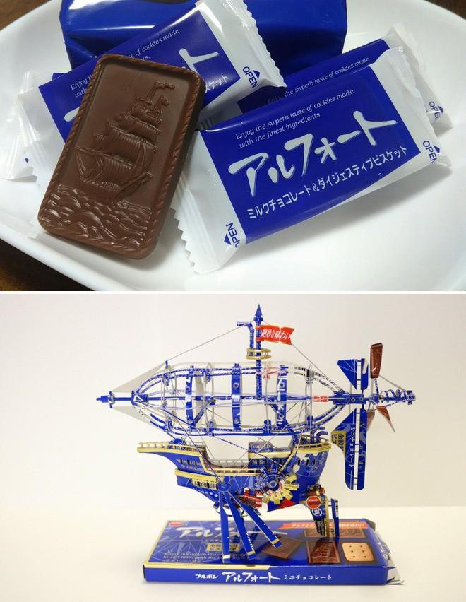 Biến vỏ hộp bánh kẹo thành mô hình tuyệt đẹp, chuyên gia cắt giấy Nhật Bản khiến Internet trầm trồ - Ảnh 1.