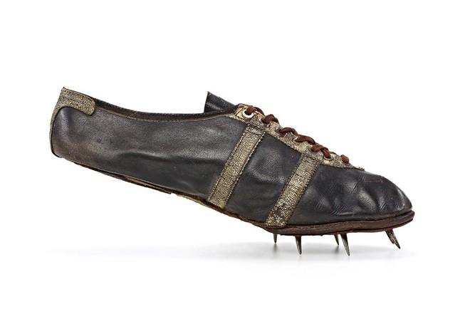 Nếu chỉ có da, vải thô và cao su, ngành công nghiệp sneakers khó lòng phát triển được như bây giờ - Ảnh 1.