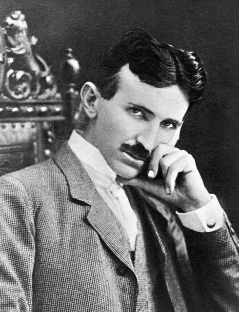 Tài đi đôi với tật: Đây là những thói quen, những đức tin quái lạ của Nikola Tesla - Ảnh 1.