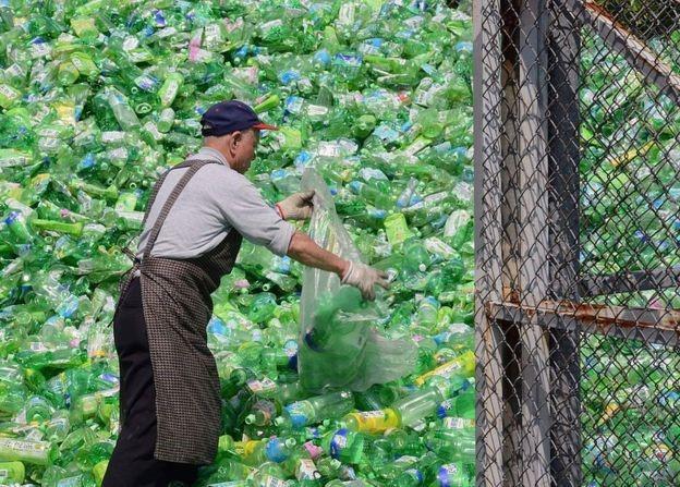 Na Uy đạt được tỉ lệ tái chế plastic lên tới 97% vào năm 2016. Con số này ở Đài Loan là xấp xỉ 50%.
