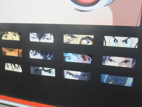 Netflix phủ kín ga tàu đông đúc nhất Tokyo bằng 280 đôi mắt của nhân vật anime - Ảnh 10.