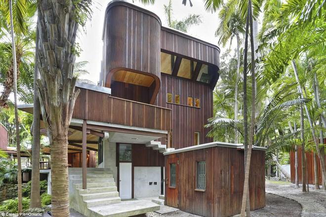 Ngôi nhà cực ấn tượng tại Florida được cho là đã bán với giá 2,05 triệu USD vào tháng 4 năm ngoái.