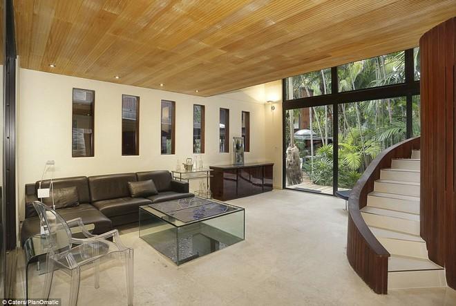 Khu vực phòng khách là khối bất động sản vô cùng độc đáo, trông như một thư viện lớn.