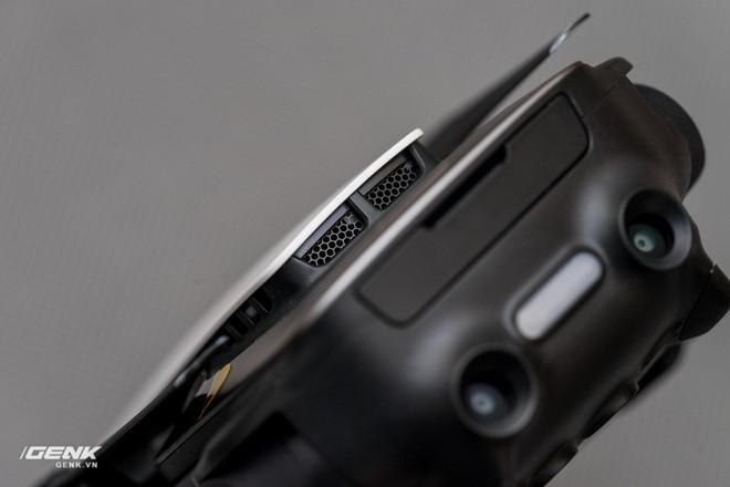 Mavic Air được bổ sung cảm biến chống va chạm phía sau.