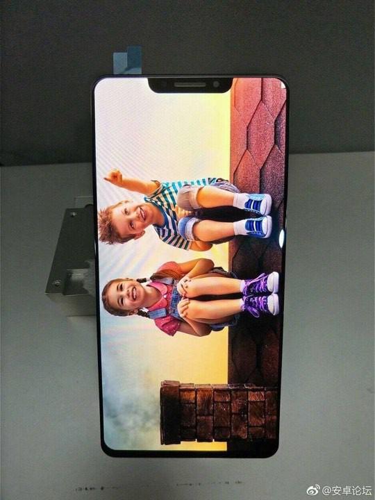 OPPO R13 sẽ sở hữu thiết kế màn hình không khác gì iPhone X?