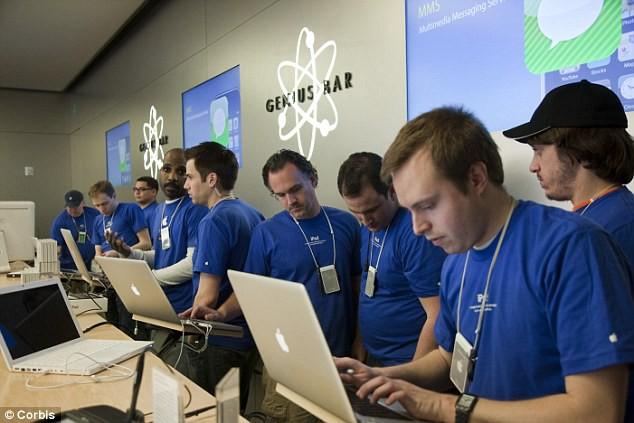 Nhận gần 7.000 USD mỗi tháng nhưng thực tập sinh tại Apple bị cấm tiết lộ với bạn bè về công việc của họ - Ảnh 1.
