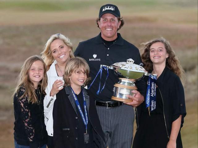 Golfer tay trái hay nhất mọi thời đại: Cuộc đời không có gì là trọn vẹn, chấp nhận thất bại cũng là một cách thành công - Ảnh 3.