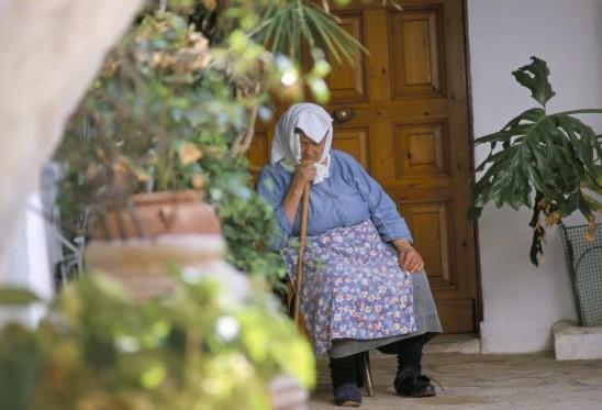 """Quan niệm về tuổi già trên thế giới và câu chuyện về những nền văn hóa coi trọng """"kính lão đắc thọ"""" - Ảnh 2."""