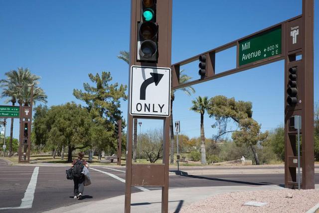 Xe tự lái của Uber đâm tử vong 1 người qua đường tại Mỹ - Uber phủ nhận trách nhiệm và cho rằng mình đã dừng thử nghiệm rồi - Ảnh 1.