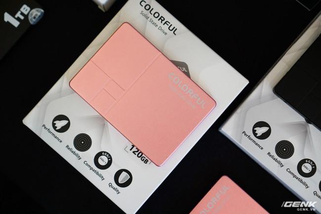 Colorful ra mắt dòng ổ cứng SSD SL300 và SL500 tại thị trường Việt Nam: dung lượng 160-640 GB tốc độ đọc/ghi 500/400 MB/s, có cả phiên bản màu hồng cá tính - Ảnh 3.