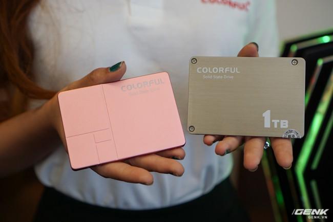 Colorful ra mắt dòng ổ cứng SSD SL300 và SL500 tại thị trường Việt Nam: dung lượng 160-640 GB tốc độ đọc/ghi 500/400 MB/s, có cả phiên bản màu hồng cá tính - Ảnh 2.