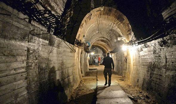 Hành trình săn lùng kho báu Đức Quốc xã kéo dài đã gần một thế kỷ, đâu là nơi đỗ cuối cùng của những con tàu chở hàng tấn vàng? - Ảnh 4.