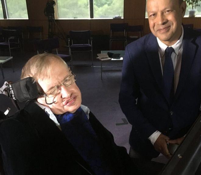 Nội dung buổi phỏng vấn cuối cùng của Stephen Hawking bàn bạc về sự kiện thiên văn hiếm có hồi năm ngoái: hai ngôi sao neutron va chạm - Ảnh 2.