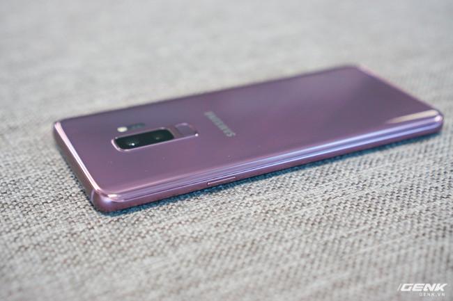 Mở hộp Samsung Galaxy S9+ Tím Lilac bản chính thức: Đẳng cấp thời trang là đây! - Ảnh 25.