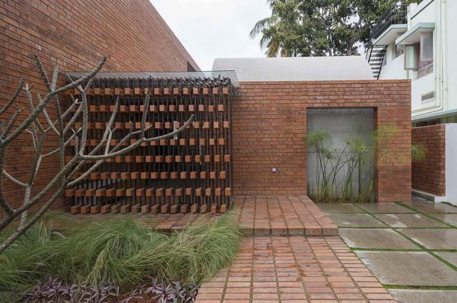 Ngôi nhà gạch ở Ấn Độ được tạp chí kiến trúc Mỹ khen ngợi vì khả năng chống nóng độc đáo - Ảnh 6.