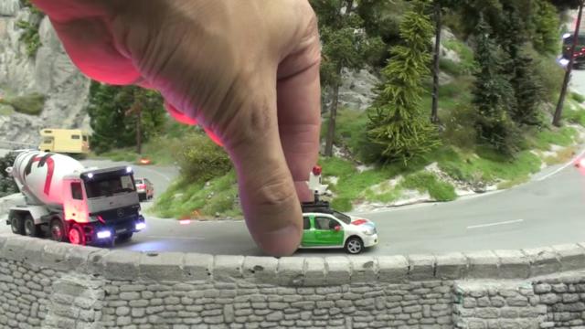 Google dùng xe Street View tí hon để quay phim thành phố mô hình, kết quả thu được cực kỳ tuyệt vời - Ảnh 5.