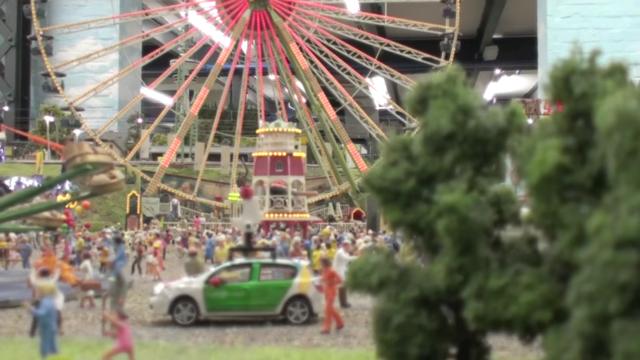 Google dùng xe Street View tí hon để quay phim thành phố mô hình, kết quả thu được cực kỳ tuyệt vời - Ảnh 8.