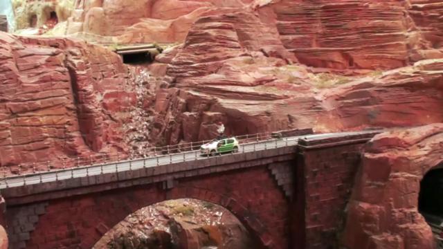 Google dùng xe Street View tí hon để quay phim thành phố mô hình, kết quả thu được cực kỳ tuyệt vời - Ảnh 14.