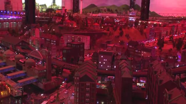 Google dùng xe Street View tí hon để quay phim thành phố mô hình, kết quả thu được cực kỳ tuyệt vời - Ảnh 31.