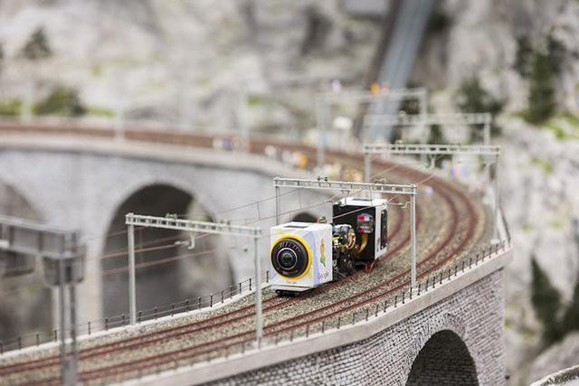 Google dùng xe Street View tí hon để quay phim thành phố mô hình, kết quả thu được cực kỳ tuyệt vời - Ảnh 3.