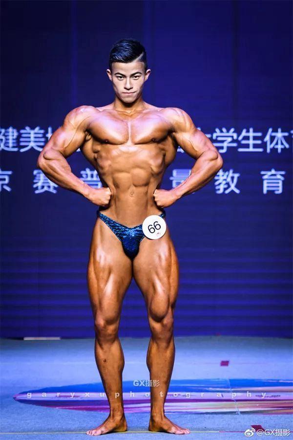Nhờ xơi 70 lòng trắng trứng mỗi ngày, anh chàng 22 tuổi trở thành nhà vô địch thể hình cấp Đại học - Ảnh 4.
