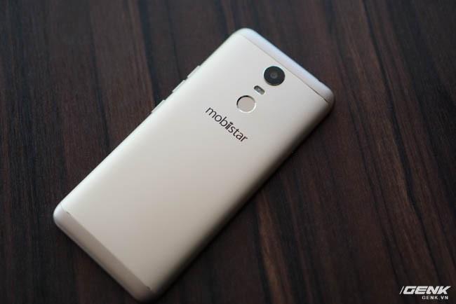 Trên tay Mobiistar E Selfie: smartphone giá rẻ dành cho người dùng thích selfie và màn hình xu hướng tràn viền 18:9 - Ảnh 1.