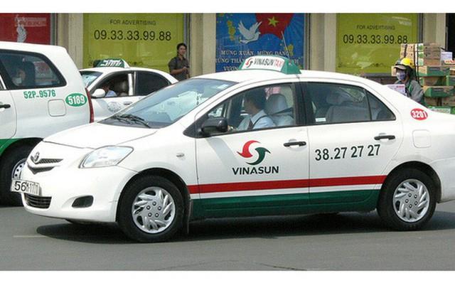 Lãnh đạo Vinasun: 78.000 chiếc xe của Uber và Grab sáp nhập gấp mấy lần so với 20.000 taxi truyền thống của cả nước, chắc chắn dẫn đến độc quyền - Ảnh 1.