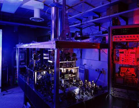 Không phải đồng hồ nguyên tử, đồng hồ hạt nhân mới là công cụ đo đạc thời gian chính xác nhất của tương lai - Ảnh 4.