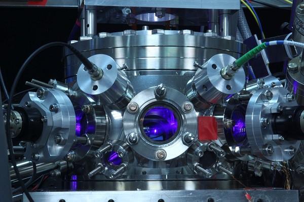 Không phải đồng hồ nguyên tử, đồng hồ hạt nhân mới là công cụ đo đạc thời gian chính xác nhất của tương lai - Ảnh 6.