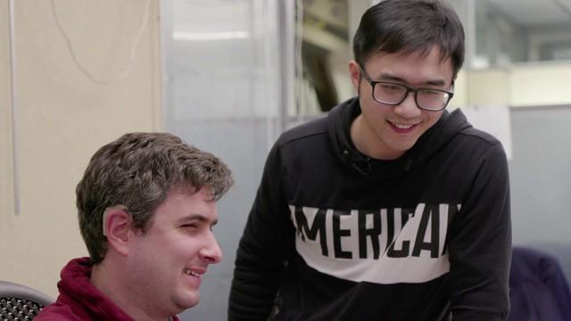 Vừa khiếm thị vừa khiếm thính, chàng trai 26 tuổi trở thành kỹ sư phần mềm cho Amazon - công việc trong mơ của hàng triệu coder trên thế giới - Ảnh 1.