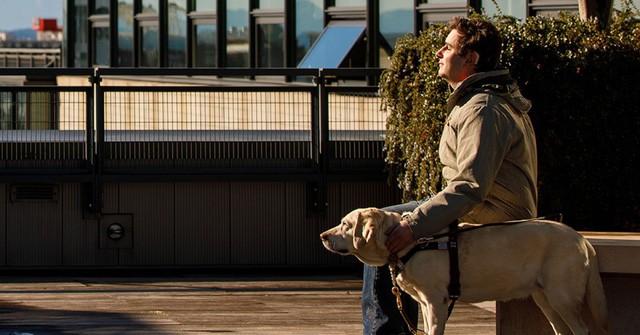 Vừa khiếm thị vừa khiếm thính, chàng trai 26 tuổi trở thành kỹ sư phần mềm cho Amazon - công việc trong mơ của hàng triệu coder trên thế giới - Ảnh 2.