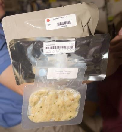 NASA sẽ không đưa phi hành gia lên Sao Hỏa cho đến khi họ tạo ra được loại thức ăn phù hợp - Ảnh 2.