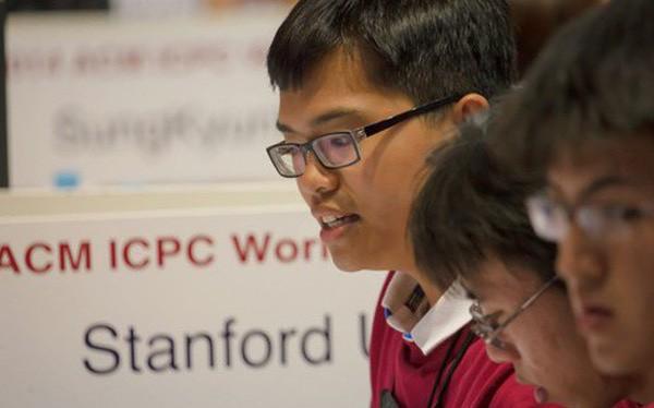 Phạm Hy Hiếu tại vòng chung kết thế giới cuộc thi lập trình quốc tế ACM ICPC ở Nga hồi 6/2014. Ảnh: P.H/Vnexpress