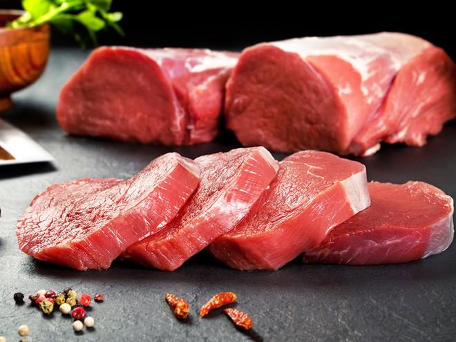 Nếu không muốn khối u ung thư hình thành trong ruột, hãy giảm ăn thịt đỏ