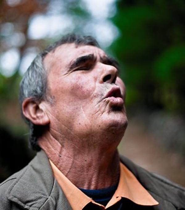 Bi kịch của những đứa trẻ rừng xanh được thú hoang nuôi dưỡng - Ảnh 2.
