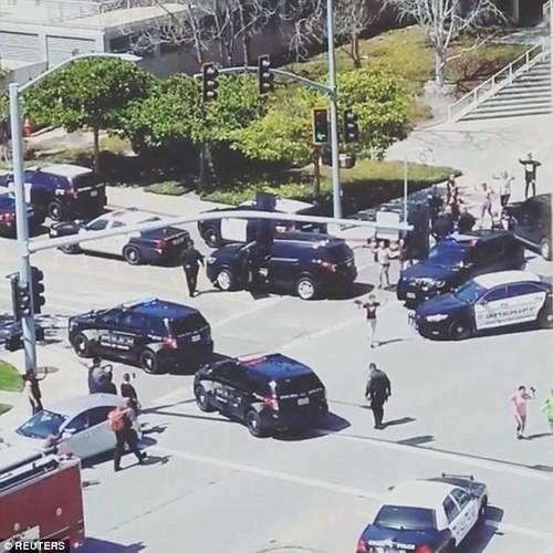 Ảnh: Hiện trường vụ nổ súng gây náo loạn trụ sở YouTube - Ảnh 9.