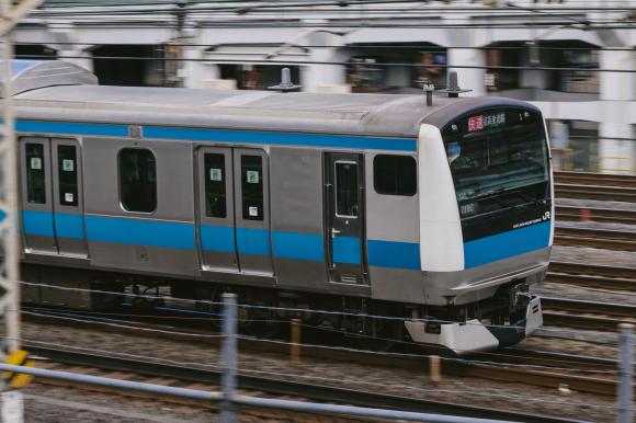 Công ty đường sắt Nhật Bản xin lỗi người dân vì để tàu khởi hành sớm 25s, gọi đó là hành động không thể tha thứ được - Ảnh 1.