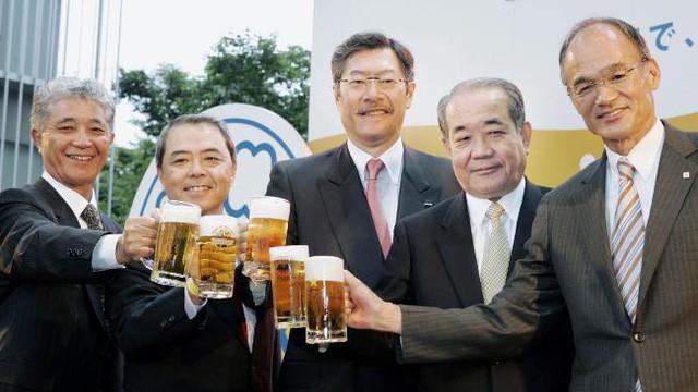 Chiến dịch nói không với cắm thùng, mặc vest khi đi làm: Cuộc đại cách mạng trong văn hóa làm việc của người Nhật Bản - Ảnh 3.
