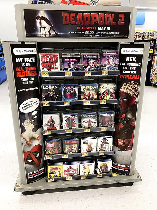 Câu chuyện phía sau cuộc xâm lăng Walmart của Deadpool - Ảnh 1.