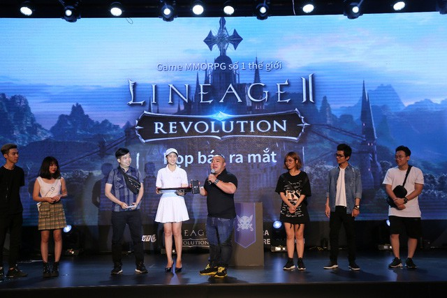 Lineage 2: Revolution đã tỏa sáng rực rỡ trong buổi ra mắt như thế nào?