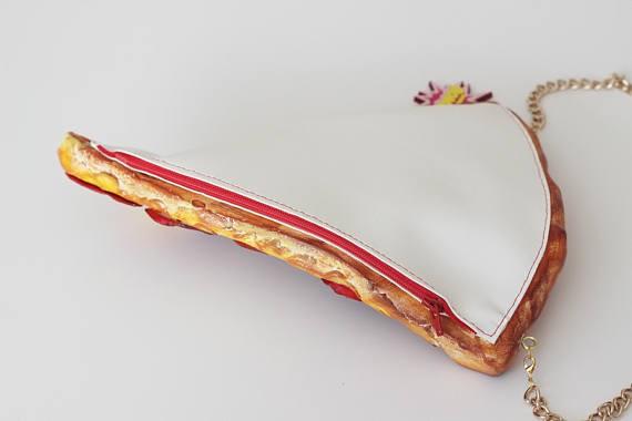 Xuất hiện loại ví y hệt vắt mì ăn liền, bán 4,5 triệu đồng vẫn ối người mua - Ảnh 19.