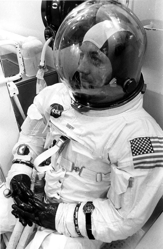 Omega Speedmaster Professional: Câu chuyện về chiếc đồng hồ đầu tiên lên Mặt Trăng - Ảnh 3.