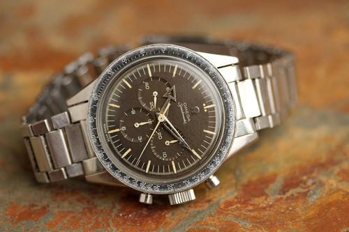 Omega Speedmaster Professional: Câu chuyện về chiếc đồng hồ đầu tiên lên Mặt Trăng - Ảnh 2.